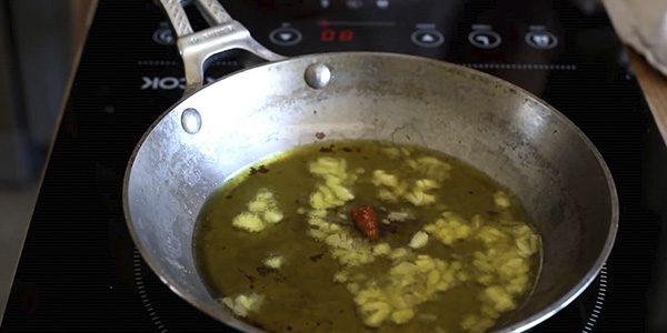 ajos y guindillas salsa marinera